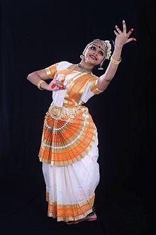 Mohiniyattom Dance